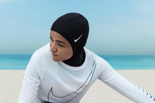 Хиджаб для спортсменок Nike Pro © Nike