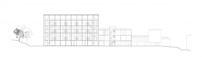 Проект Александры Ивашкевич, 2 курс БВШД.  СЕРП И МОЛОТ Архитектурная Институция. Разрез 2. Изображение предоставлено БВШД