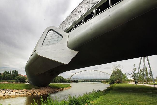 Мост-павильон ЭКСПО-2008. Фото: Juan E De Cristofaro via Wikimedia Commons. Лицензия CC-BY-SA-2.0