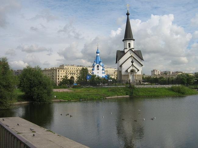 Церковь Георгия Победоносца на Средней Рогатке. Фото: Peterburg23 via Wikimedia Commons. Лицензия CC BY 3.0