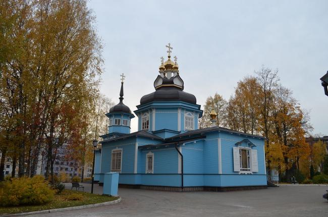 Церковь Димитрия Солунского, Коломяги. Фото: KA3AKOB via Wikimedia Commons. Лицензия CC BY-SA 3.0