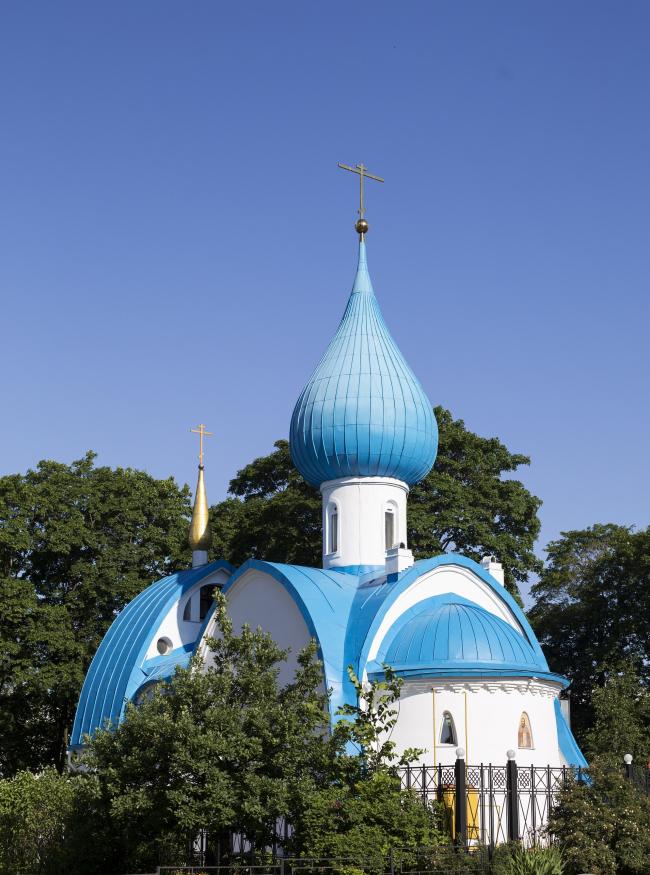 Церковь Иоанна Кронштадтского в Санкт-Петербурге. Фото: Divine Liturgy in the Church of St. John of Kronstadt via Wikimedia Commons. Лицензия CC BY 2.0