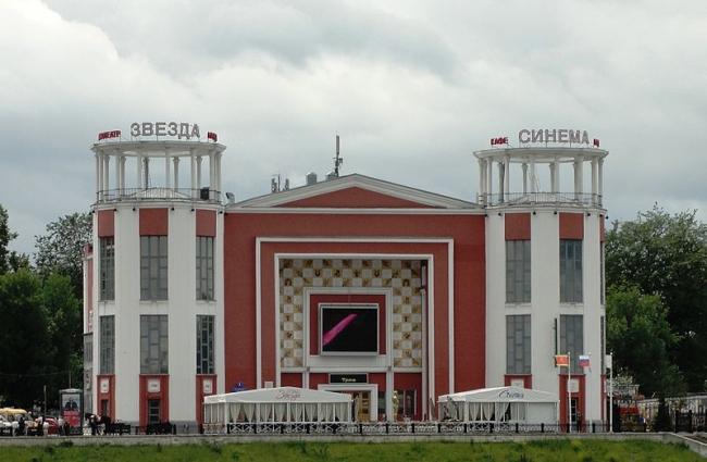 Реставрация кинотеатра «Звезда». Фото: Paniannushka via Wikimedia Commons. Лицензия CC-BY-SA-3.0