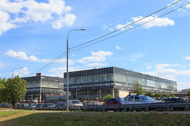 Здание завода «Элма». Фото: Perituss via Wikimedia Commons. Фото находится в общем доступе