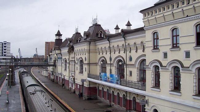 Железнодорожный вокзал Владивостока. Реставрация. Фото: я via Wikimedia Commons. Фото находится в общем доступе