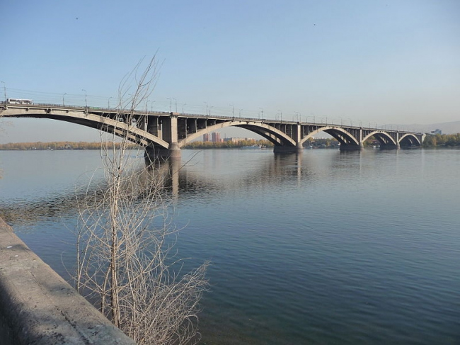 Коммунальный мост. Фото: MaxBioHazard via Wikimedia Commons. Лицензия CC BY-SA 3.0