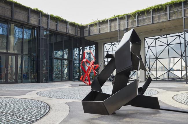 Сад скульптур на крыше музея © Antonia Steyn