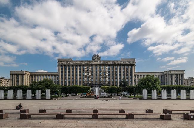 Дом Советов. Фото: Alex ′Florstein′ Fedorov via Wikimedia Commons. Лицензия CC BY-SA 4.0