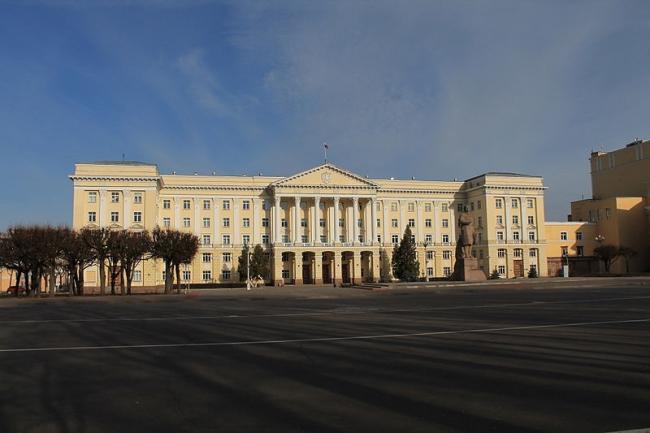 Дом Советов в Смоленске. Фото: Ajstalker via Wikimedia Commons. Лицензия CC-BY-SA-3.0