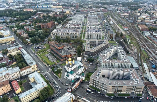 """""""Tsarskaya Stolitsa"""" housing complex. A drone shot © Evgeny Gerasimov and Partners"""