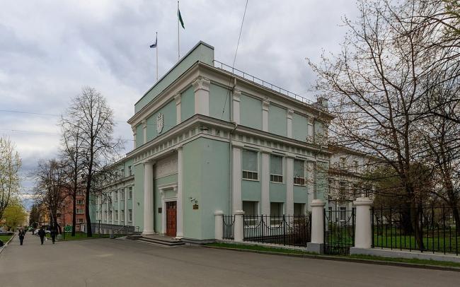Дом правительства Карелии в Петрозаводске. Фото: A.Savin via Wikimedia Commons. Лицензия FAL
