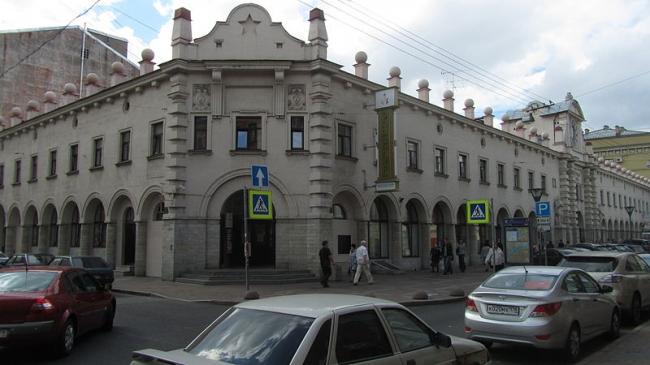 Кузнечный рынок. Фото: Пересмешникъ via Wikimedia Commons. Лицензия CC-BY-SA-3.0