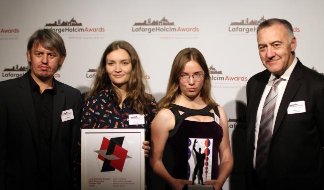 Слева направо: Ильнар Ахтямов, Резеда Ахтямова, Анна Андронова, Гильермо Бруско, руководитель российского подразделения LafargeHolcim.  Фотография © Юлия Тарабарина, Архи.ру