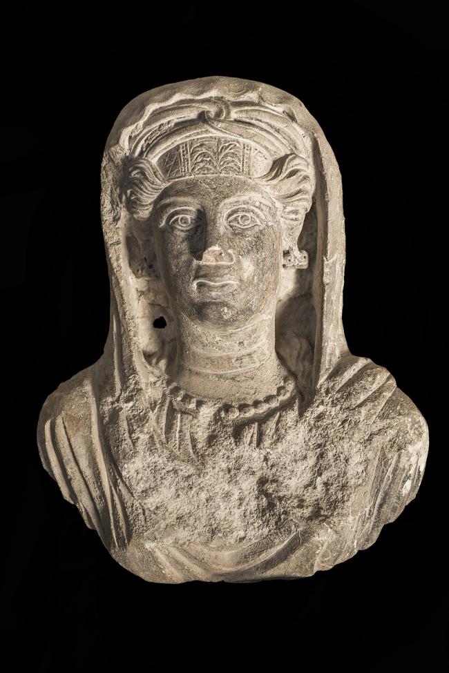 Женский бюст с пальмирского саркофага. 2-я половина II в. н.э. Музей Святой земли в Иерусалиме. Фото © Gianluca Baronchelli