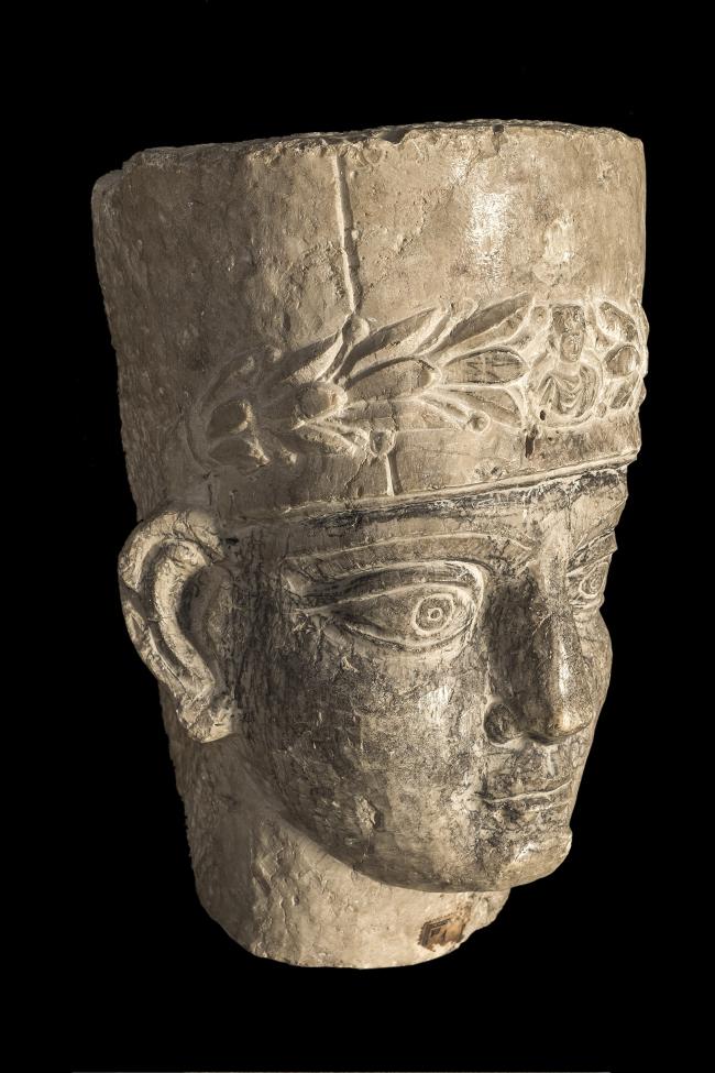 Голова жреца с пальмирского саркофага. 2-я половина II – начало III века н.э. Музей Святой земли в Иерусалиме. Фото © Gianluca Baronchelli
