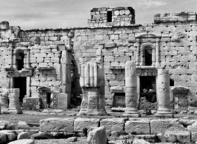 Храм Бела (Баала) в Пальмире. Фрагмент. Фото 1996 © Elio Ciol