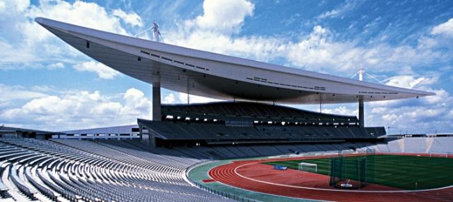 Стадион Ататюрка, г. Стамбул. Кровля FDT /  полиизобутилен. фото http://language.fdt.de/home-ru.html