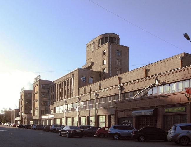 ДК им. С.М. Кирова. Фото via Wikimedia Commons. Фото находится в общем доступе