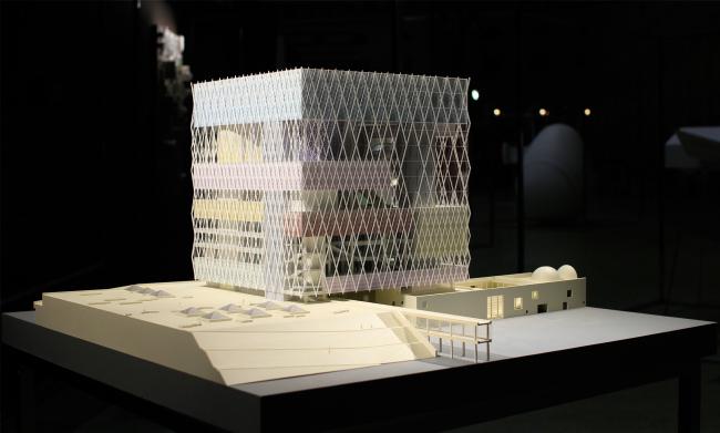 Объект Никиты Явейна: Концепция проекта реконструкции дворца «Жастар» и прилегающего пешеходного бульвара / проект