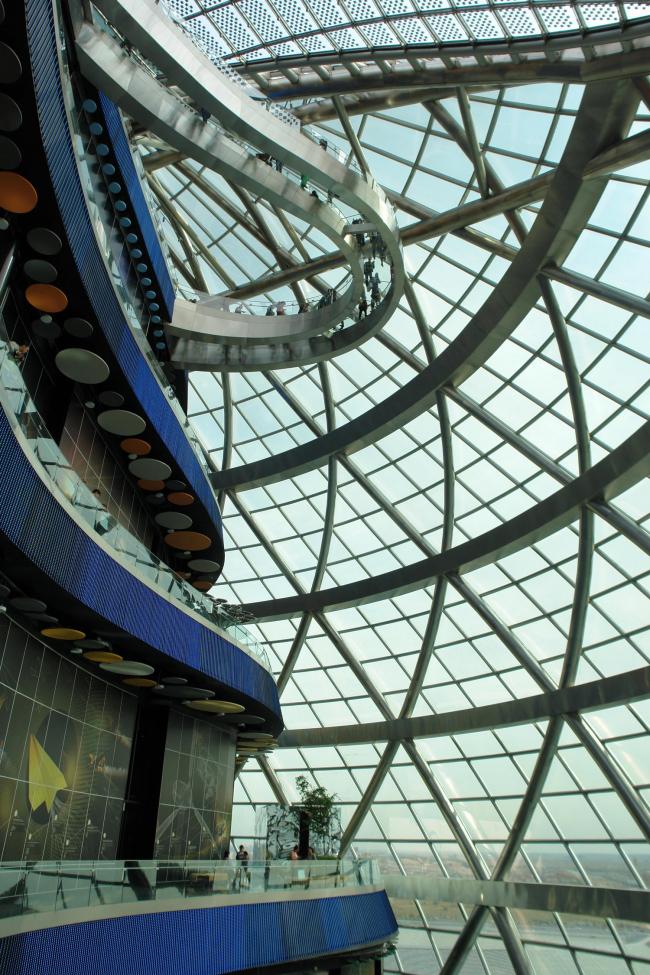 Комплекс Экспо-2017 в Астане. Интерье павильона «Нур-Алем». Фото © Нина Фролова