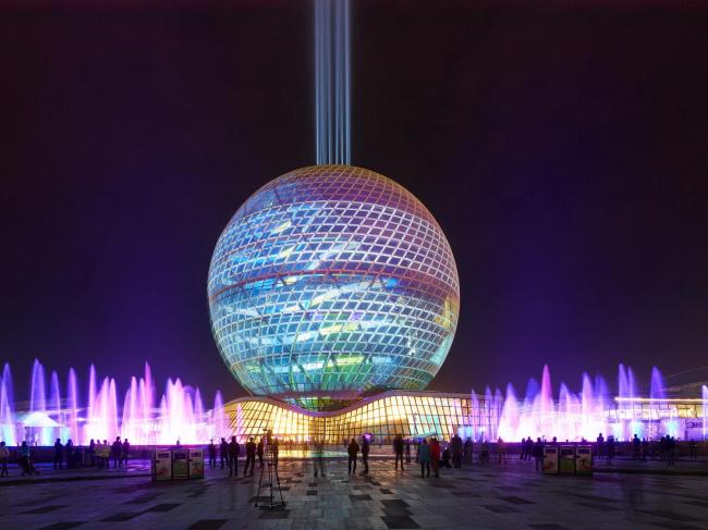 Павильон «Нур-Алем» в дни открытия Экспо. Фото © «Астана ЭКСПО-2017»