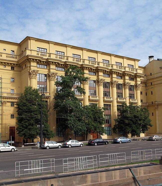 Дом на Моховой. Фото: NVO via Wikimedia Commons. Лицензия CC BY 2.5