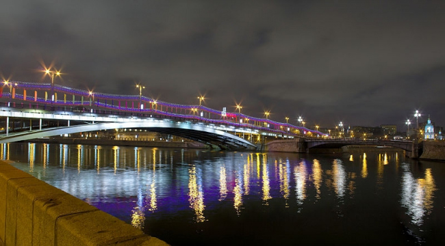 Большой Устьинский мост. Фото: Kaluga.2012 via Wikimedia Commons. Лицензия CC-BY-SA-3.0
