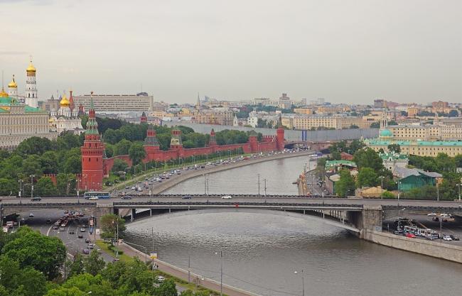 Большой Каменный мост в Москве. Фото: A.Savin via Wikimedia Commons. Лицензия CC BY-SA 3.0