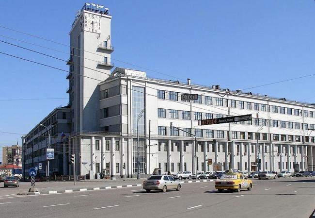 Здание НКПС в Москве. Фото: NVO via Wikimedia Commons. Лицензия CC BY-SA 3.0
