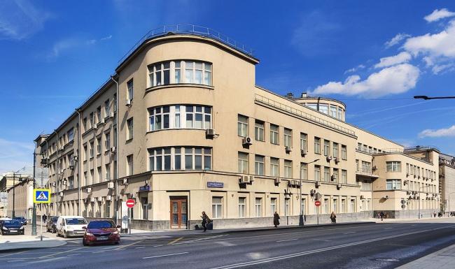 Кремлёвская поликлиника. Фото: Ludvig14 via Wikimedia Commons. Лицензия CC BY-SA 4.0