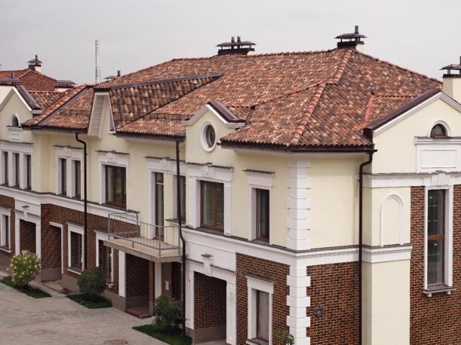 Пример использования черепицы Cottosenese. Фотография © «Красные крыши»