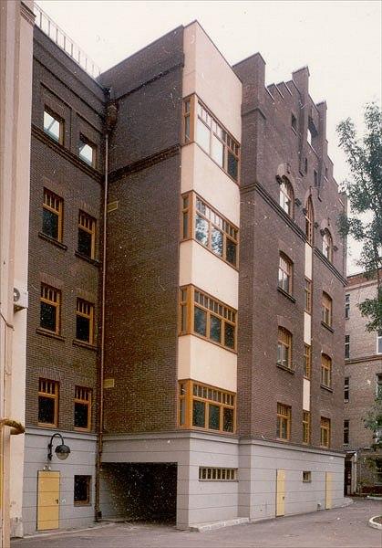 Реконструкция жилого дома в Чистом пер. (проктирование 1996-97 гг.)