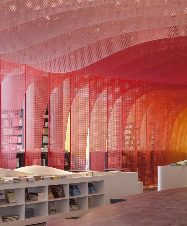 Книжный магазин «Чжуншу». Фото © Hu Yijie