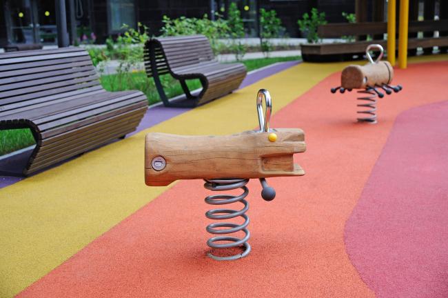 Дом премиум-класса «Дыхание». Детская площадка. Архитекторы ПланАР, фотография предоставлена ФСК «Лидер»