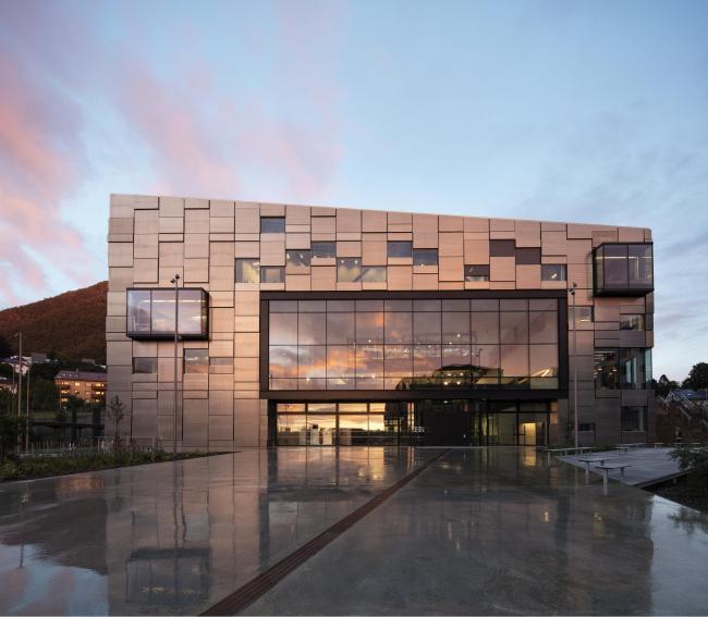 Факультет изящных искусств, музыки и дизайна Бергенского университета © Trond Isaksen, Statsbygg