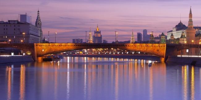 Большой Москворецкий мост. Фото: Андрей Уляшев (mercand) via Wikimedia Commons. Лицензия CC BY-SA 3.0