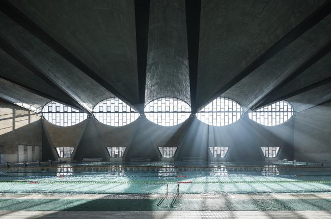 Категория «Интерьер», автор: Terrence Zhang. Бассейн, новый кампус Тяньцзиньского университета (Китай). Архитекторы: Atelier Li Xinggang