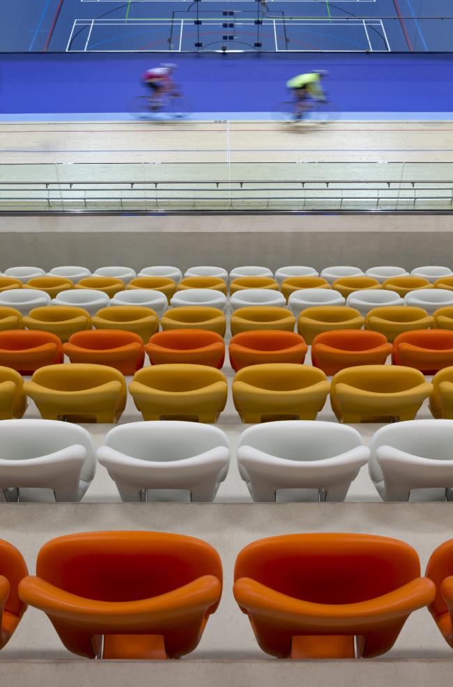 Категория «Здания в действии», автор: Martine Hamilton Knight. Спортивный комплекс в Дерби (Великобритания). Архитекторы: Faulkner Browns Architects