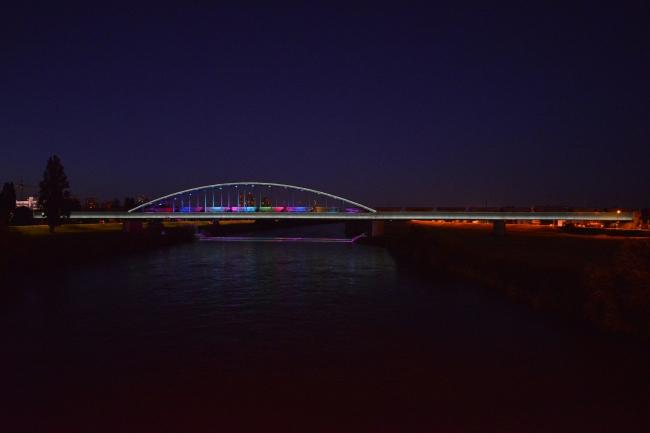 Железнодорожный мост через Саву в Загребе © Damil Kalogjera