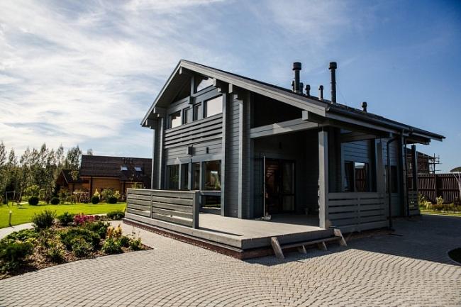 Черный цвет – актуальный тренд в деревянном строительстве. Один из домов компании Good Wood ©