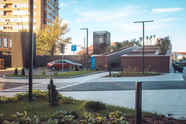 Дом премиум-класса «Дыхание». Патио на кровле въезда в подземную парковку. Архитекторы ПланАР, фотография © ПланАР