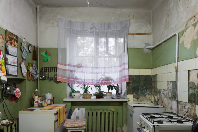 Дом «Обрабстроя». В доме ещё сохранилась пара знаменитых советских коммунальных кухонь. Фотография © Ольга Алексеенко