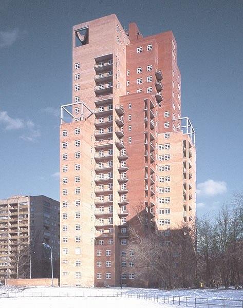Многоэтажный жилой дом на Ленинском проспекте, 7. Строительство: 1995-2000 гг.