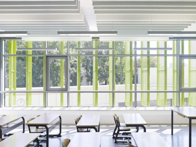 Начальная школа Эриха Кестнера в Лейпциге. Учебный класс © Michael Moser. Изображение предоставлено ALUCOBOND