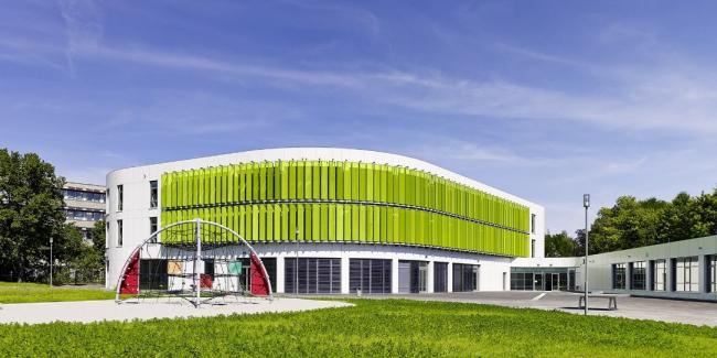 Начальная школа Эриха Кестнера в Лейпциге © Michael Moser. Изображение с сайта www.alucobond.com