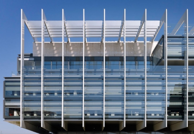 Офисный кампус Repsol в Мадриде © Alfonso Quiroga Ferro. Изображение с сайта www.alucobond.com