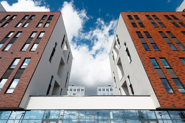 """The residential block in """"Solnechny"""" neighborhood © OSAArchitects"""