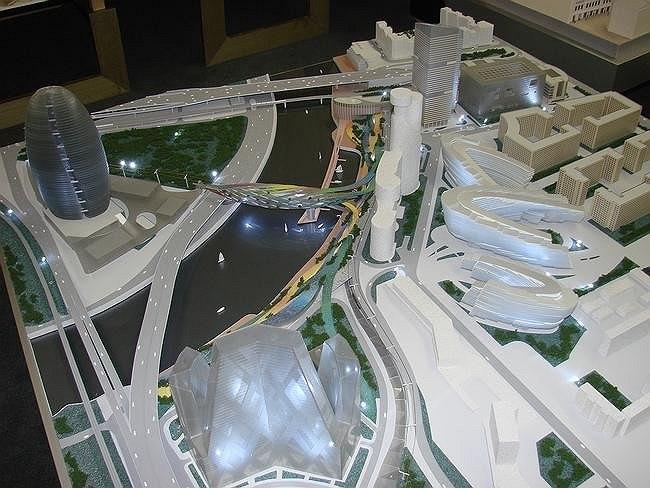 Проект размещения многофункционального рекреационного комплекса на набережной Москвы-реки между 3-м транспортным кольцом и железнодорожным мостом.
