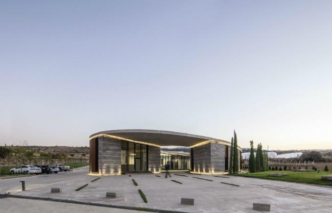 Ферма 38° 30° (Афьон-Карахисар, Турция).  Slash Architects, Arkizon Architects. Изображение предоставлено WAF