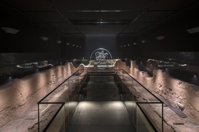 Новый Митреум – это реконструкция Храма Митры, который стоял на этом участке почти две тысячи лет назад. Фотография © James Newton